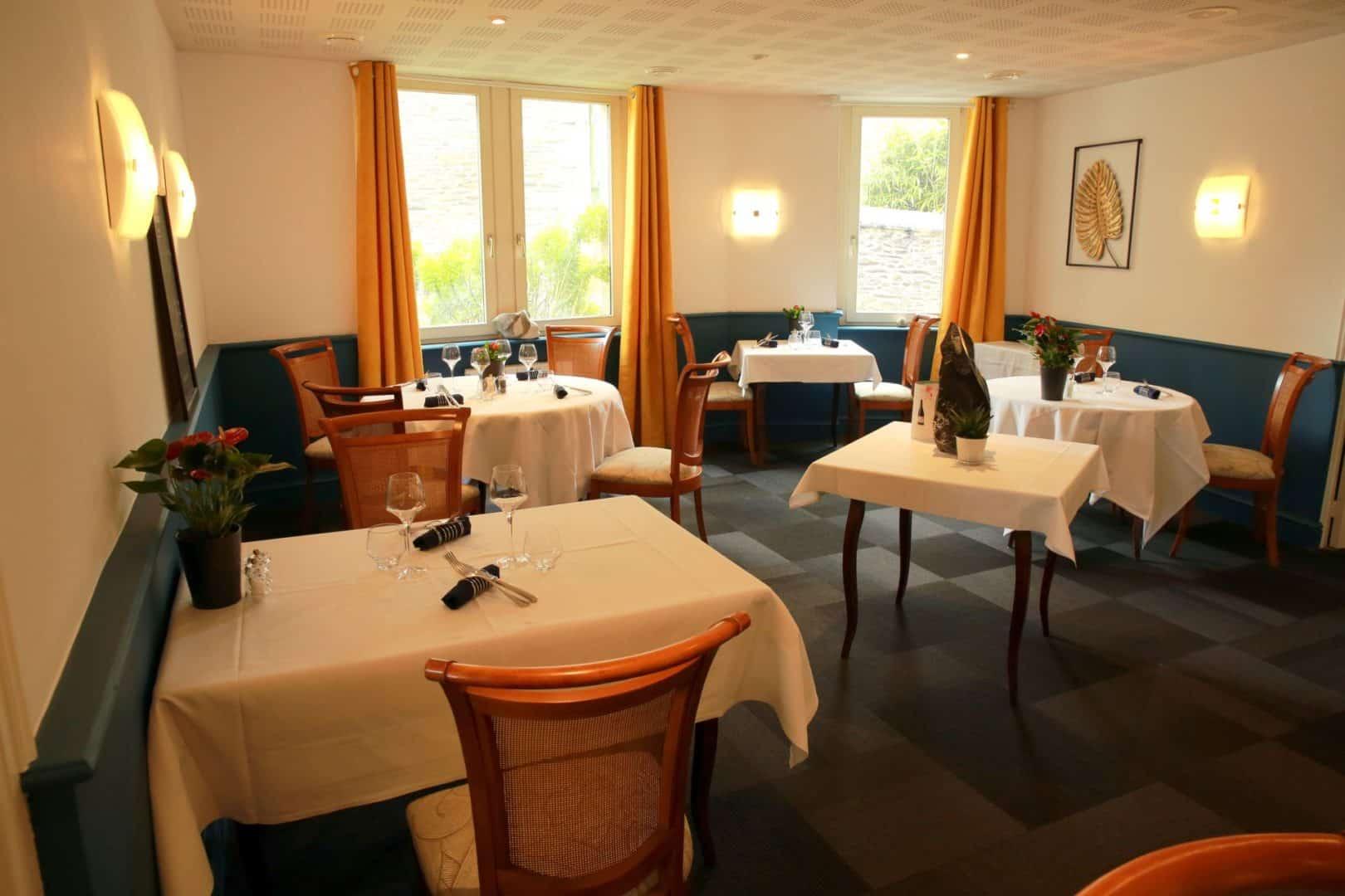 restaurant 3 etoiles semi gastronomique saint thegonnec 1 - Accueil